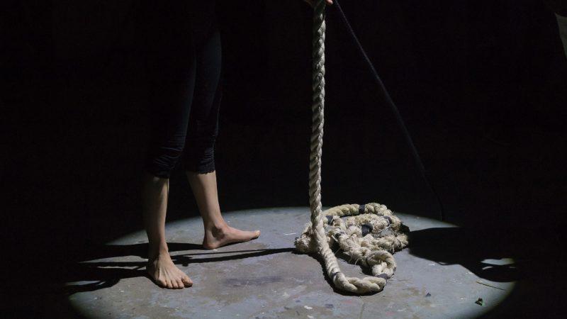 Groźba popełnienia samobójstwa jako groźba bezprawna