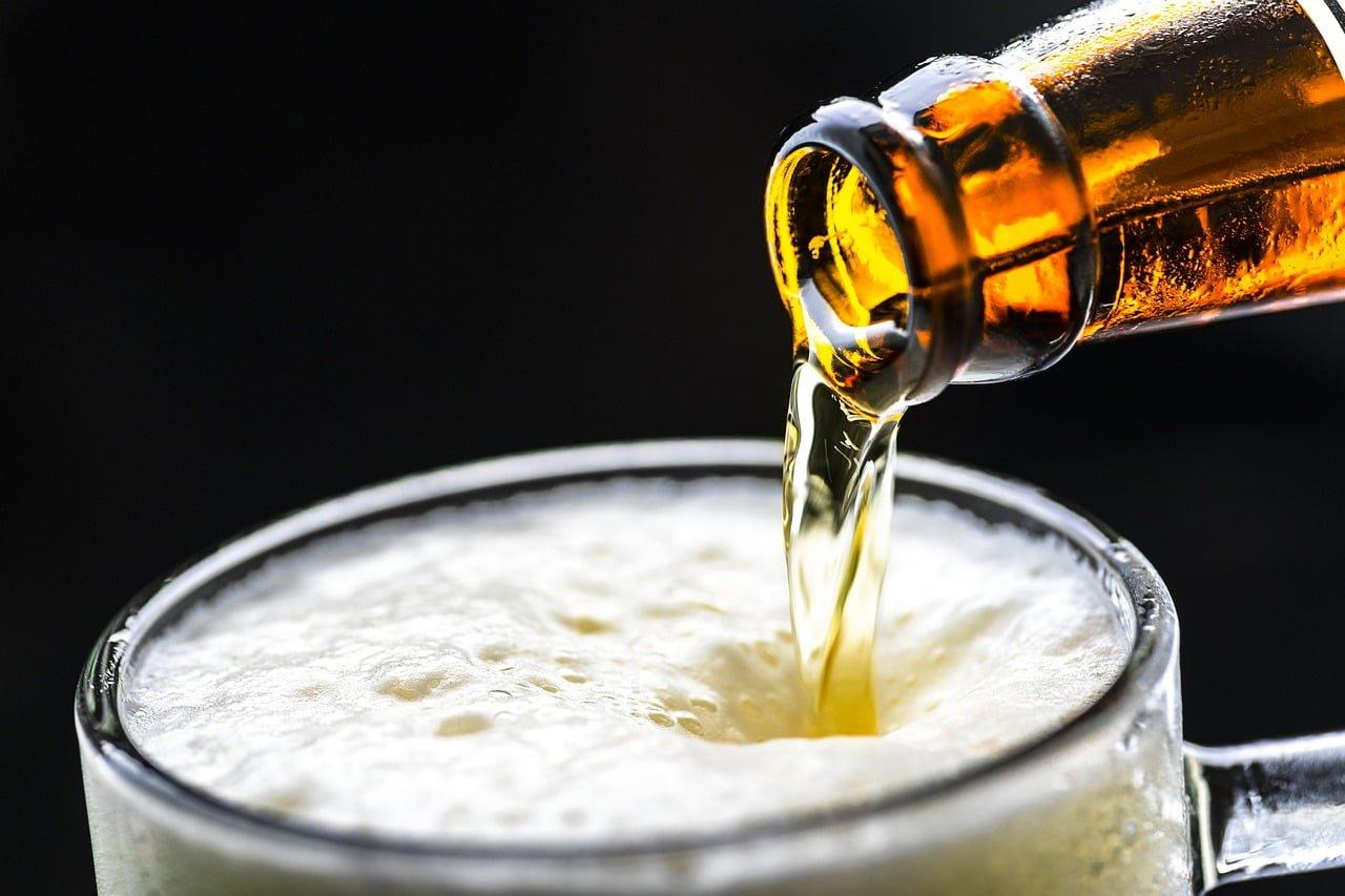 Czy dzieci oraz kierowcy mogą kupić i pić piwo bezalkoholowe?