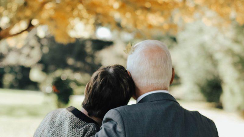 Zasiłek pogrzebowy i renta rodzinna. Wsparcie otrzyma nawet były małżonek zmarłego