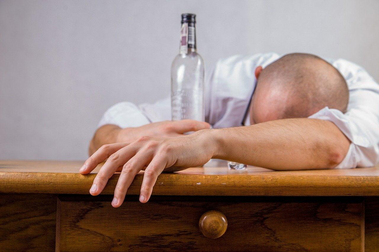 Przyjście do pracy pod wpływem alkoholu – konsekwencje