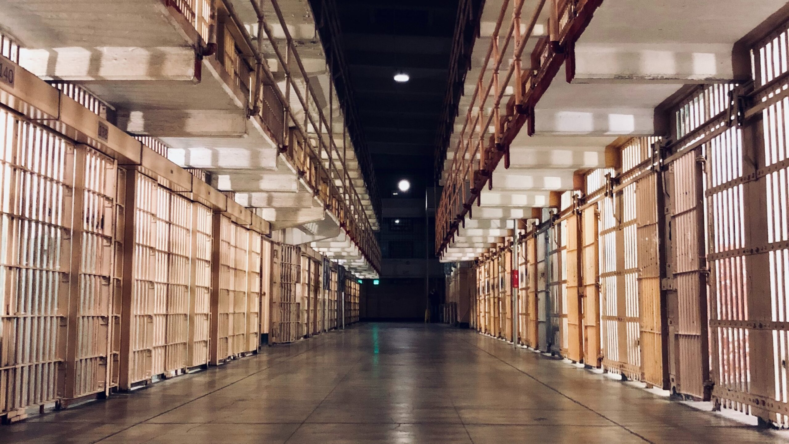 Kryteria przedterminowego zwolnienia – pedofil, który nie zrozumiał swojego czynu, nie wyjdzie na wolność