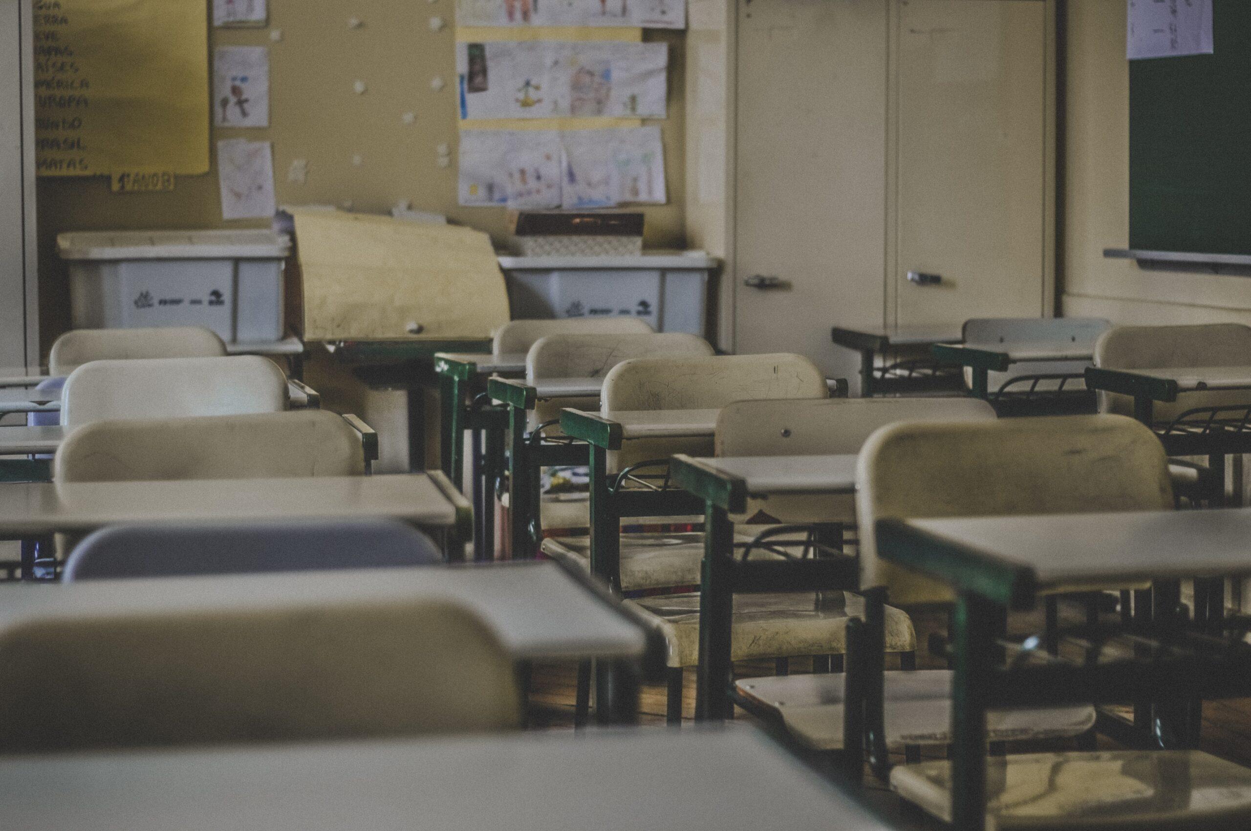 Koronawirus a zamknięcie szkół. Prawa rodziców i nauczycieli