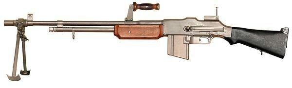 Clyde Barrow i jego ulubiona broń - Browning M1918 (BAR)
