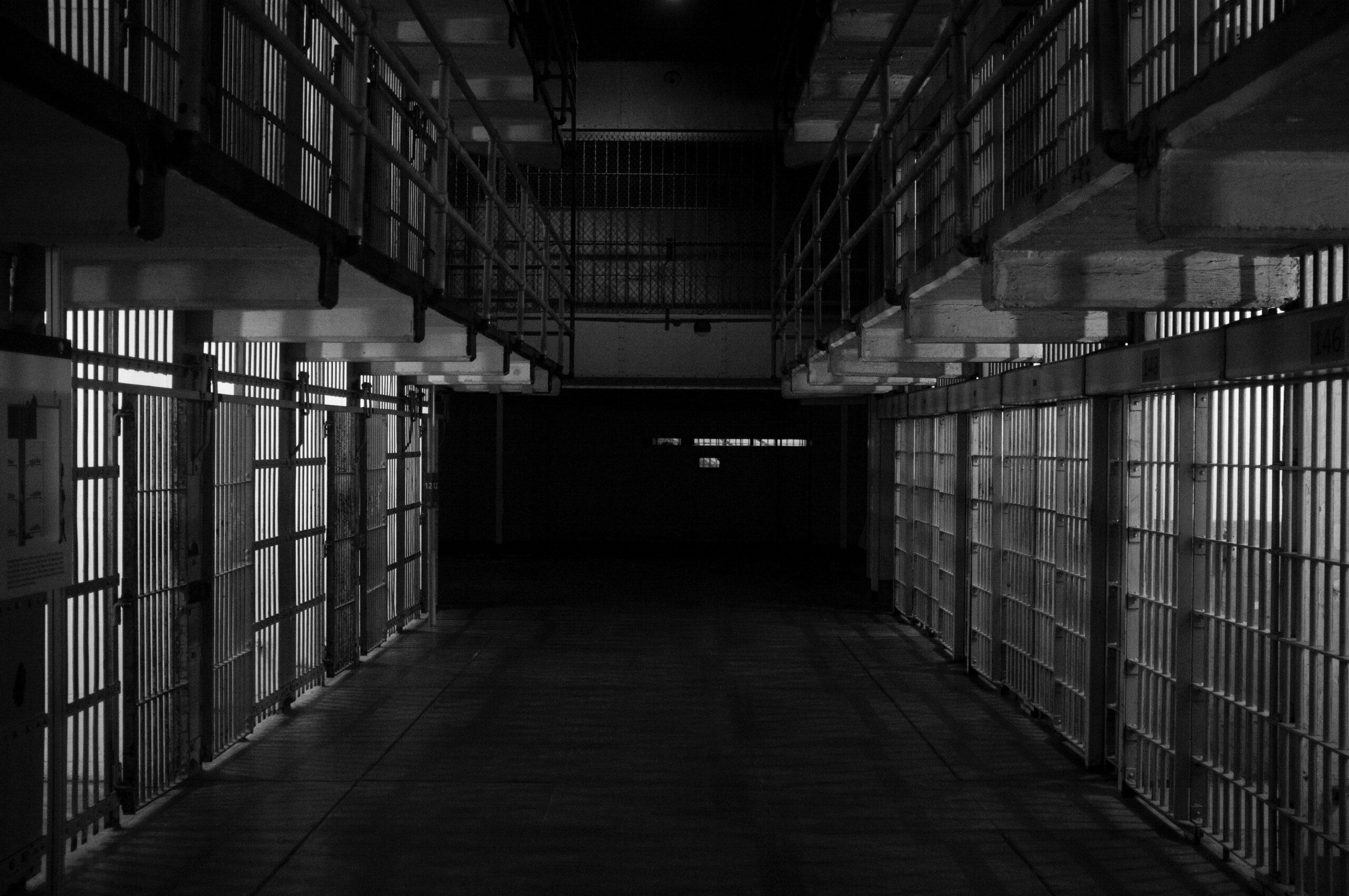 KOMUNIKAT MS I SW: Zaostrzenie zasad bezpieczeństwa w zakładach karnych