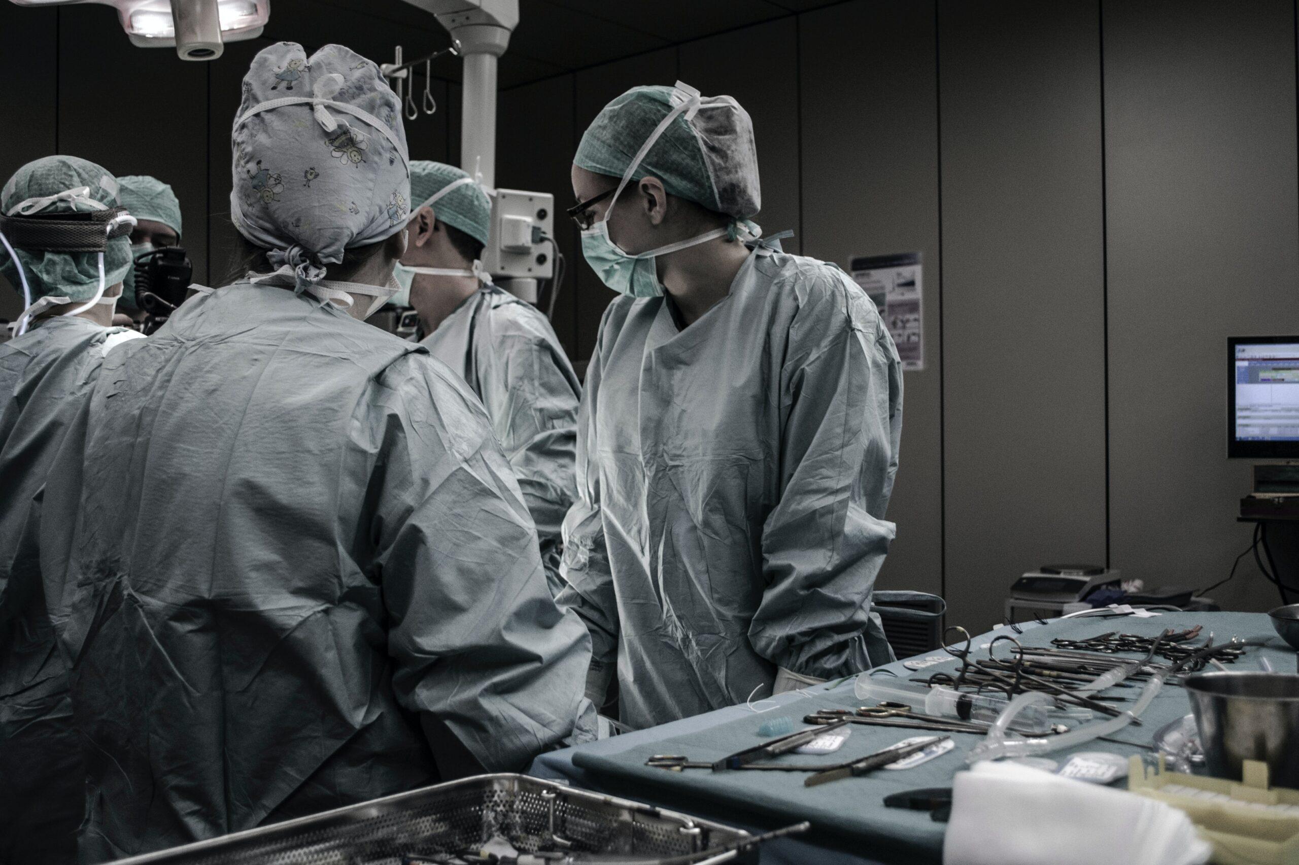 Wykonanie zabiegu leczniczego bez zgody pacjenta