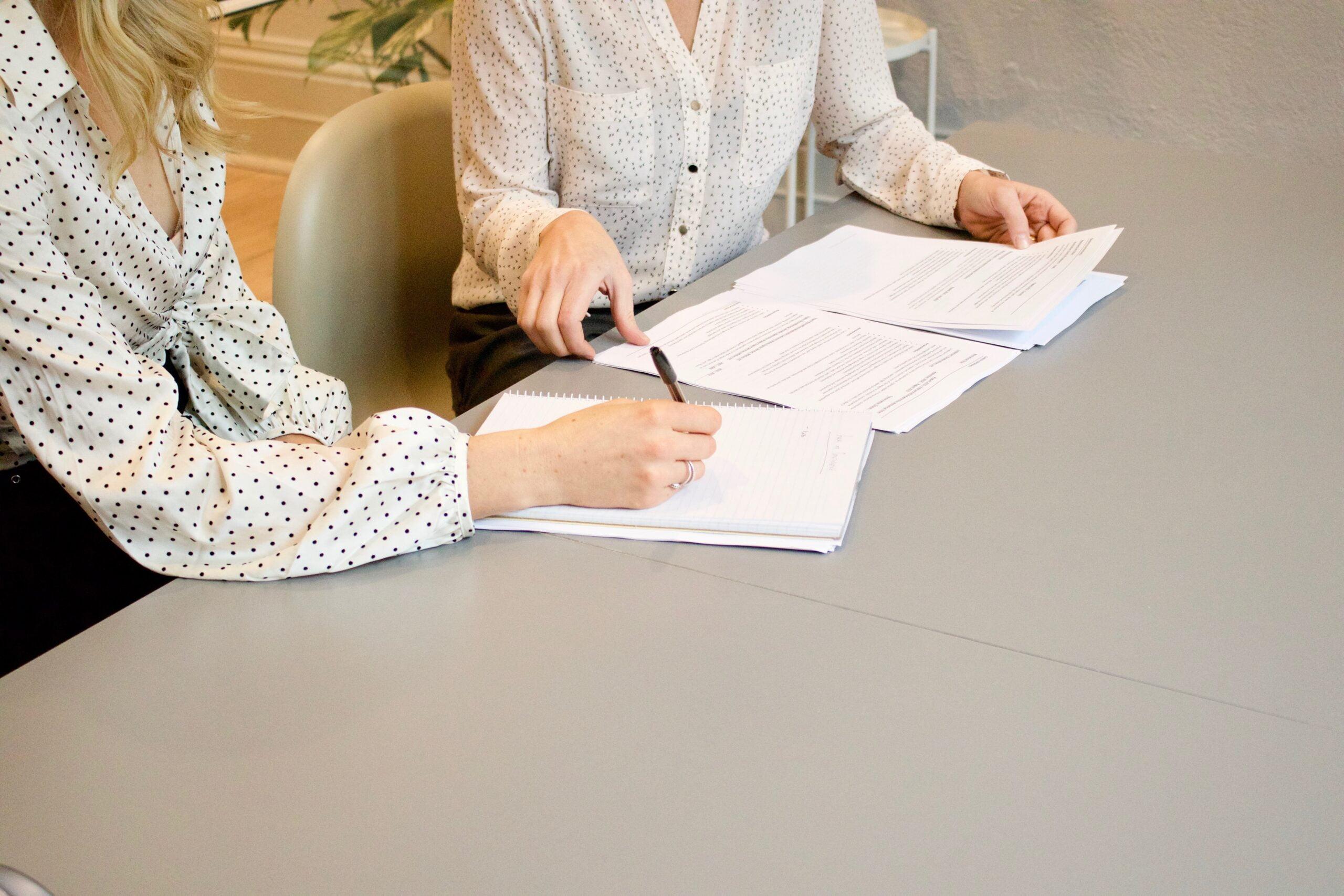 Dwie umowy o pracę z jednym pracodawcą – czy to możliwe?