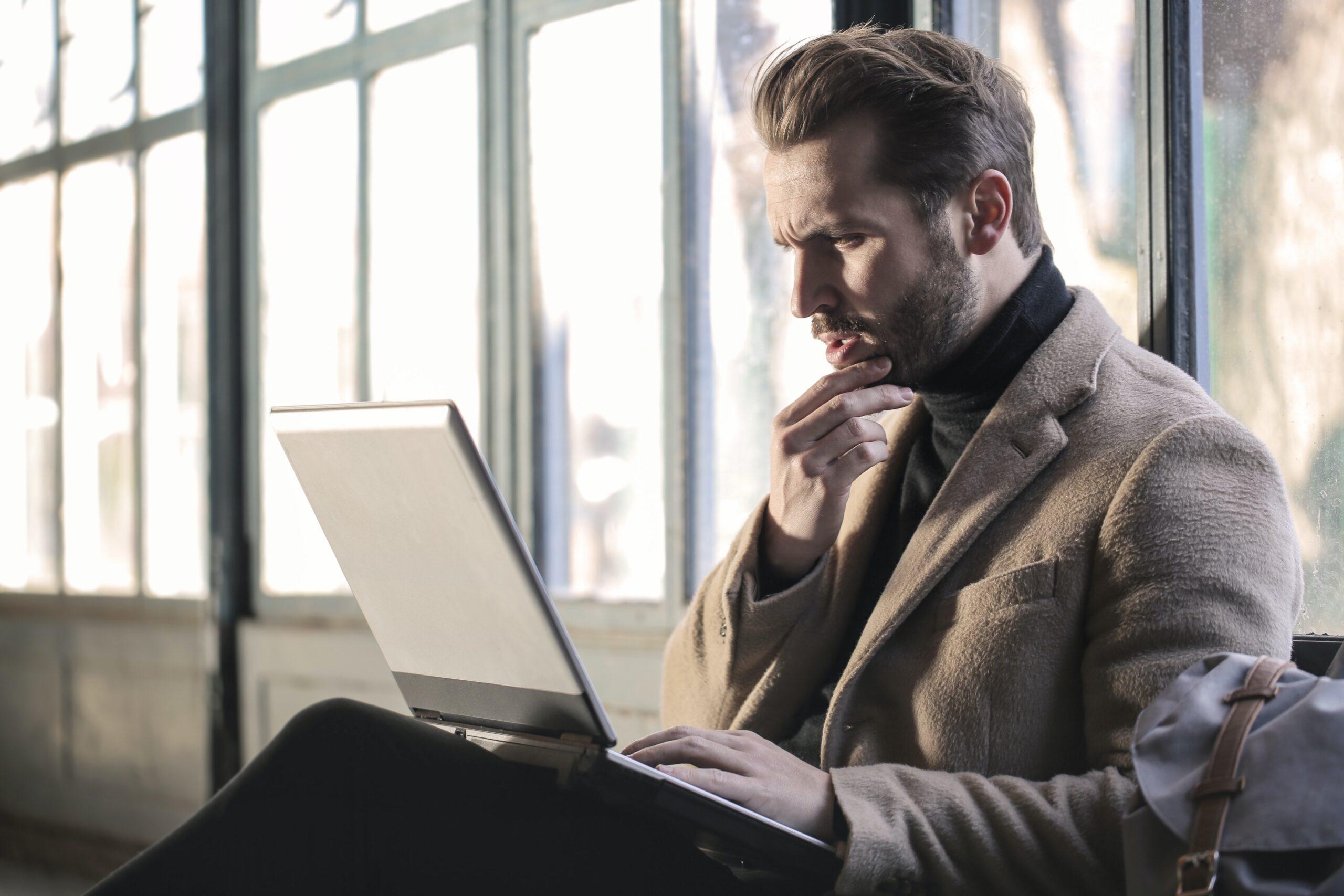 Jak starać się o przyznanie prawnika z urzędu?