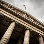 Niekorzystne praktyki biznesowe dużych platform internetowych – wyrok Europejskiego Trybunału Sprawiedliwości w sprawie Booking.com