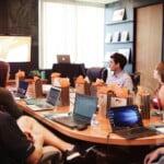 Przekształcenie spółki komandytowej w spółkę jawną lub inną osobową – jak to zrobić?