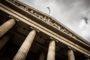 Prawnik bez uprawnień – czy pomoże w sądzie?