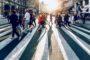 Kiedy można przekraczać jezdnię poza przejściem dla pieszych?